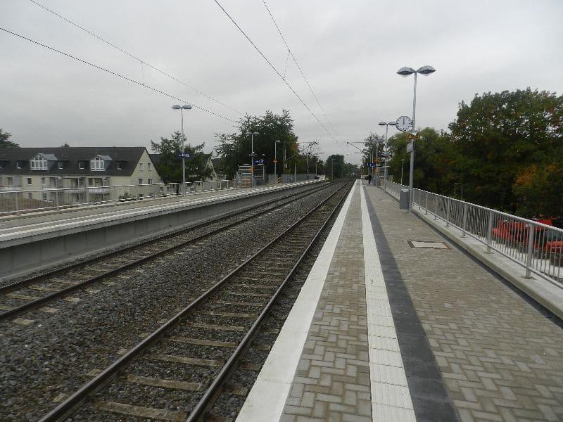 Haltepunkt Düsseldorf Rath Mitte -S6